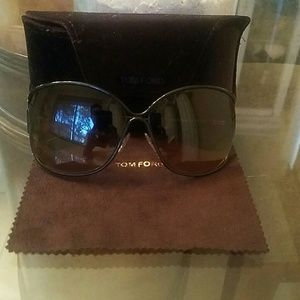Woman tom ford sunglasses like new condition